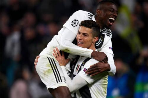 Matuidi vinh dự vì được làm đồng đội của Ronaldo.