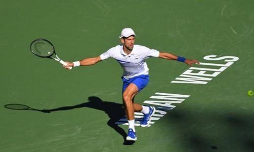 Djokovic hụt hơi trong hầu hết các pha bóng bền với đối thủ. Ảnh: Reuters.