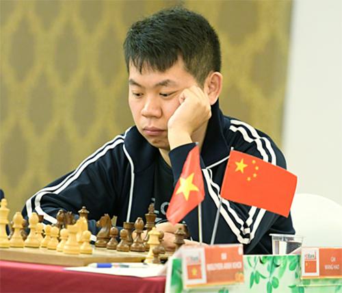 Vương Hạo thể hiện bản lĩnh của Siêu đại kiện tướng duy nhất tại giải.