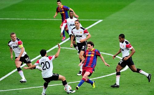 Messi từng làm khổ hàng thủ Man Utd trong những lần chạm trán trước đây. Ảnh: AFP.