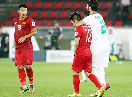 Đức Chinh (số 18) chịu nhiều chỉ trích khi có hiệu suất ghi bàn không cao.