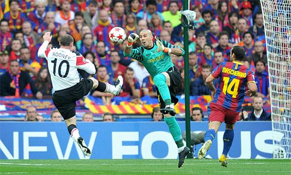Man Utd và Barca là hai đại diện lớn của bóng đá cống hiến. Ảnh: Reuters