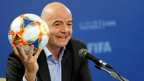Chủ tịch FIFA, Infantino rất tích cực trong việc tăng số đội dự World Cup 2022. Ảnh: Reuters.