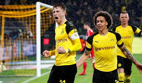 Marco Reus ghi bàn thứ 19 cho Dortmund ở mùa này. Ảnh:Reuters.