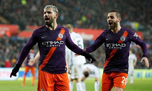 Aguero và Bernardo Silva góp công lớn vào chiến thắng của Man City. Ảnh:Reuters.