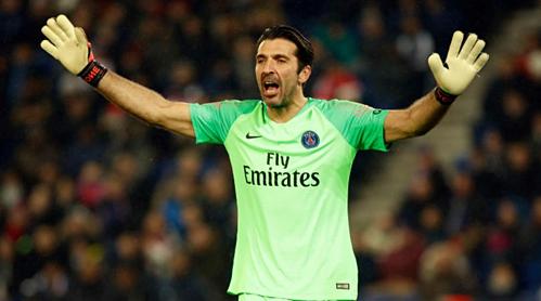 Hợp đồng của Buffon, kết thúc cuối mùa giải này, có điều khoản gia hạn thêm một năm nhưng PSG không kích hoạt. Ảnh:AFP.