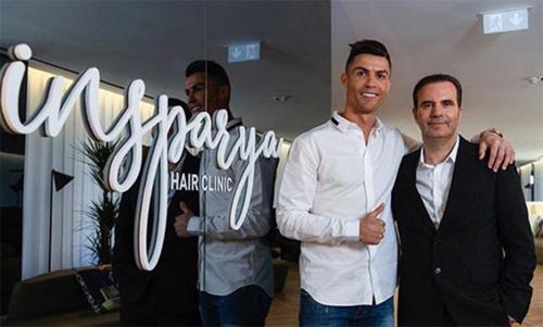 Ronaldo và Paulo Ramos, Giám đốc của Insparya. Ảnh: Marca