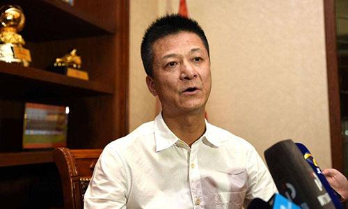 Chủ tịch Tập đoàn Quyền Kiện - Thúc Dục Huy.