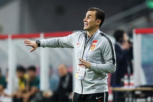 Cannavaro nhận thất bại ngay trận đầu tiên dẫn dắt Trung Quốc.