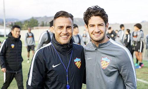 Cannavaro (trái) và Pato thuở còn sát cánh trong màu áo Quyền Kiện Thiên Tân.