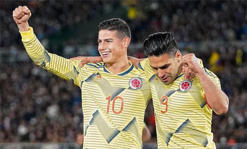 James Rodriguez và Radamel Falcao giúp Colombia phục hận thất bại tại World Cup.