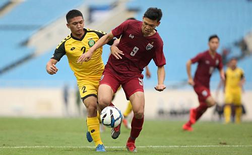 Supachai (số 9) là chân sút chủ lựccủa U23 Thái Lan. Ảnh: Xuân Bình.