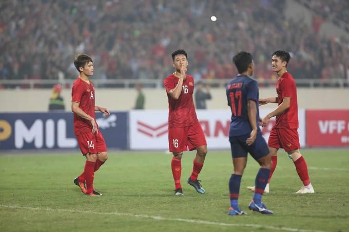 Cầu thủ Việt Nam ăn mừng lạnh lùng trước Thái Lan