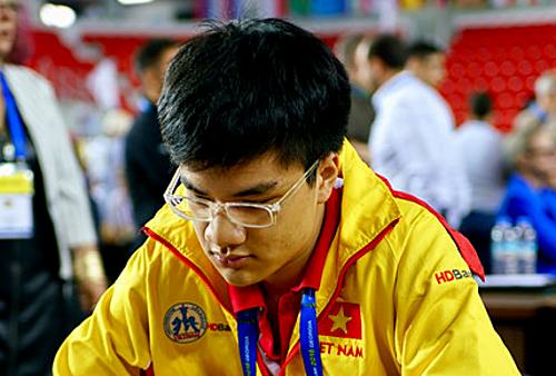 Anh Khôi có thêm 12 Elo kể từ đầu giải, chuẩn bị chạm mốc 2.500 lần đầu tiên.