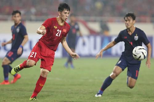 Đình Trọng nén đau để đấu với Thái Lan suốt 90 phút. Ảnh: Xuân Bình.