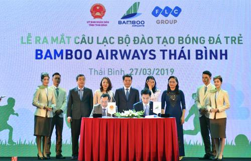 Bamboo Airways cam kết đầu tư đồng bộ cho CLB đào tạo trẻ của Thái Bình.