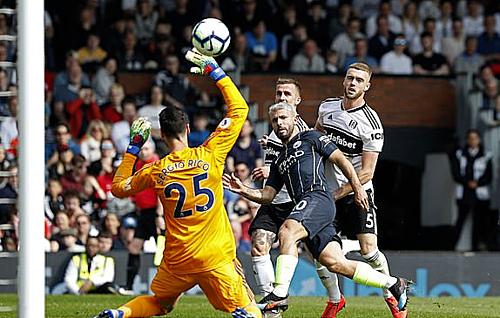 Aguero ghi bàn ấn định chiến thắng. Ảnh:AFP.
