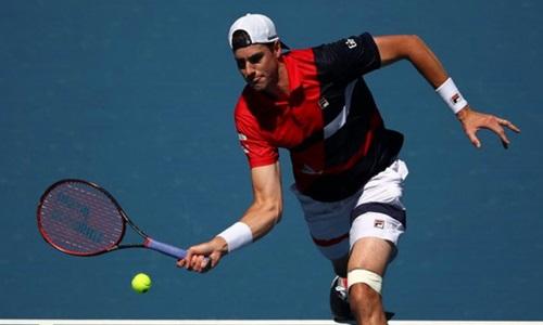 Isner không thể bảo vệ thành công chức vô địch Miami Mở rộng. Ảnh: Reuters.