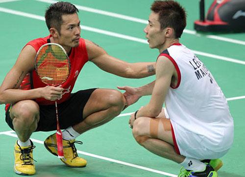 Lâm Đan (trái) ngồi cạnh Lee Chong Wei. Ảnh: NST.