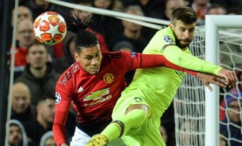 Pique được bình chọn là cầu thủ hay nhất khi Barca thắng Man Utd 1-0. Ảnh: EFE.