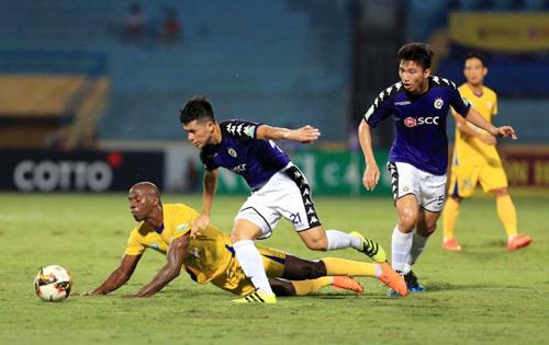 Kể từ khi Khánh Hoà trở lại V-League năm 2015, họ chưa từng thua Hà Nội khi được chơi trên sân nhà.