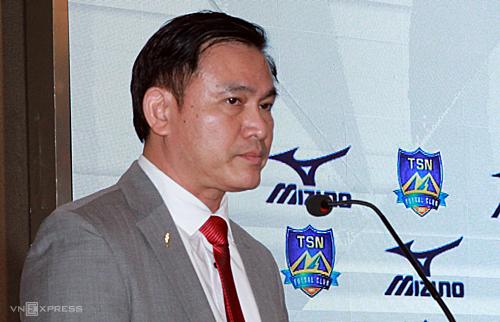 Ông Trần Anh Tú chia sẻ về V-League bên lề lễ kết tài trợ Mizuno tài trợ trang phục cho CLB Thái Sơn Nam ngày 11/4. Ảnh: Dũng Lập.