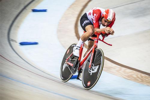 Campenaerts phá kỷ lục thế giới trên đường đua lòng chảo Bicentenario Velodrome, Mexico. Ảnh: UCI.