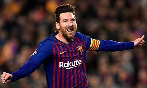 Hai bàn thắng của Messi đều được ghi từ ngoài cấm địa. Ảnh: AFP.