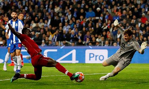 Bàn mở tỷ số của Mane là bước ngoặt ở trận tứ kết lượt về giữa Liverpool và Porto. Ảnh: Reuters.