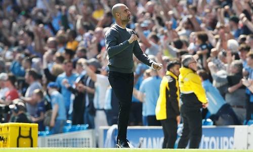 Ba điểm trước Tottenham giúp sức ép lên Guardiola dịu bớt. Ảnh: Reuters.