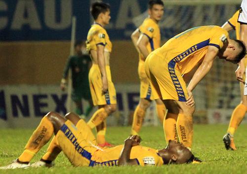Thanh Hóa hòa 3, thua 3 sau 6 vòng đấu, đứng cuối bảng điểm V-League 2019.