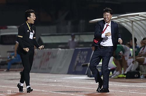 HLV Chung Hae Soung tiếp tục mạch thắng với đội bóng mới sau khi chia tay HAGL. Ảnh: Đức Đồng.