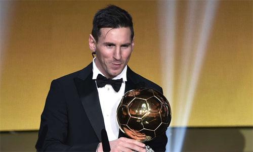 Giống Cristiano Ronaldo, Messi đang giữ kỷ lục năm lần giành Quả Bóng Vàng. Ảnh: Reuters