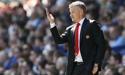 Solskjaer bất lực chứng kiến Man Utd thua trận thứ năm liên tiếp trên sân khách. Ảnh: Reuters.