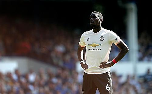 Pogba bị chỉ trích nặng nề sau thất bại 0-4 trên sân Everton. Ảnh:Rex.