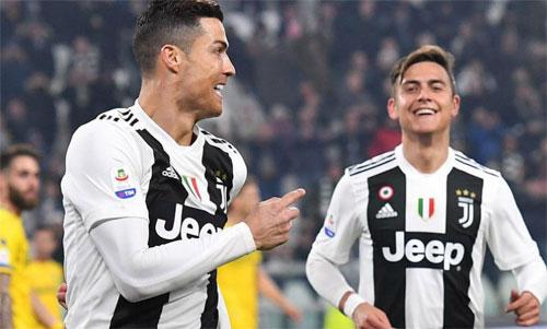 Juventus chưa biết cách ghép Ronaldo và phần còn lại thành một tập thể mạnh. Ảnh: Reuters