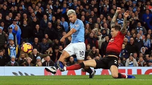 Man City thường chơi tốt ở Old Trafford những năm gần đây. Ảnh: Reuters.