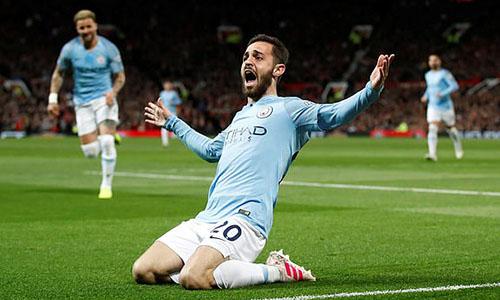 Bernardo Silva mừng bàn mở tỷ số khi hiệp hai trôi qua được 10 phút. Ảnh: Reuters.