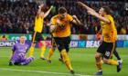 Arsenal gục ngã trên sân Wolverhampton