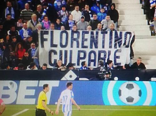 Biểu ngữ chống đối Perez từng xuất hiện trên sân Burtaque ở Leganes.