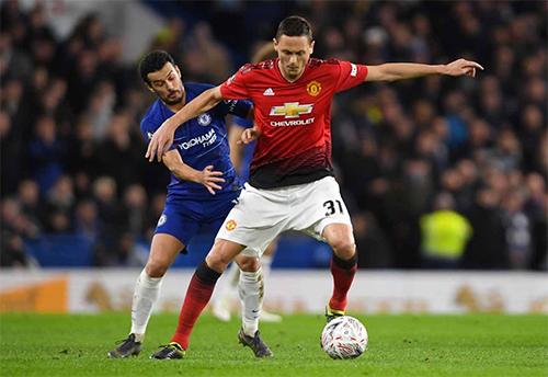 Pedro và Chelsea đang ở thế bất lợi trong cuộc đua vào top 4. Nếu thất bại trên sân Old Trafford hôm nay, họ nhiều khả năng sẽ không còn hy vọng.