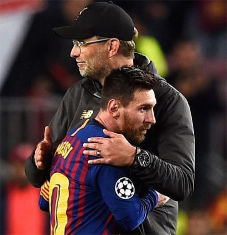 Klopp ngã mũ trước tài năng của Messi.