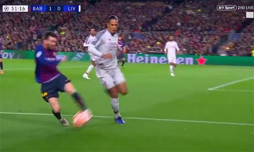 Tình huống Van Dijk theo kèm Messi...