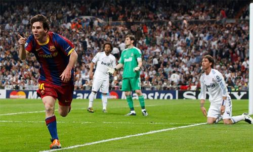 Messi lập cú đúp trên sân Bernabeu của Real năm 2011. Ảnh: Reuters