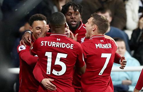 Liverpool chiến thắng màn rượt đuổi tỷ số ở St James Park.