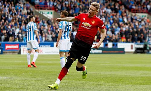 Tiền vệ trẻ có bàn tthắng hứ hai trong màu áoMan Utd. Ảnh: Reuters.