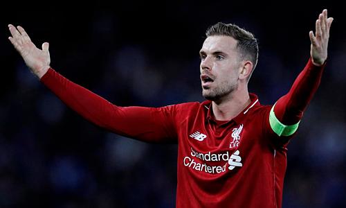Henderson mong Man City xảy chân trước Leicester. Ảnh: Reuters.