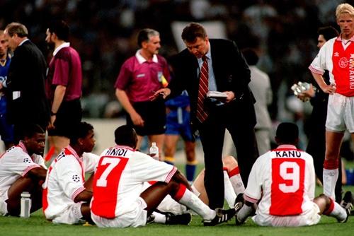 Ajax của Van Gaal đã vào chung kết, dù thua Panathinaikos 0-1 ở lượt đi. Ảnh: Reuters.
