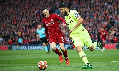 Robertson phải rời sân nhưng Liverpool là đội giành chiến thắng cuối cùng. Ảnh: AFP.