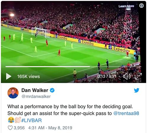 Người dẫn chương nổi tiếng nước Anh Dan Walker ca ngợi cậu bé nhặt bóng Cannonier.